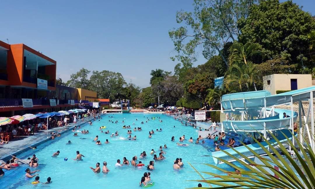 Buscan implementar medidas de higiene para reabrir balnearios en Morelos