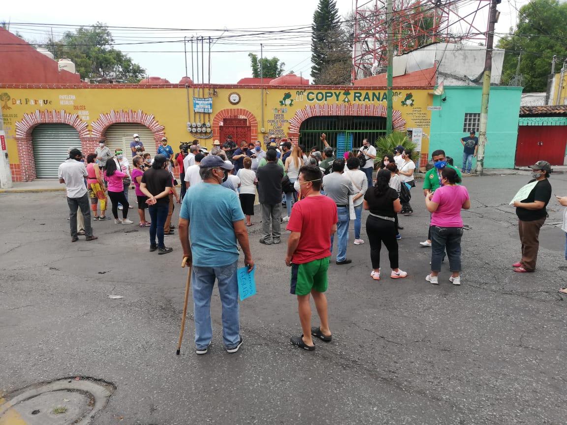 Se manifiestan vecinos de Acapantzingo; ya llevan casi un mes sin agua potable