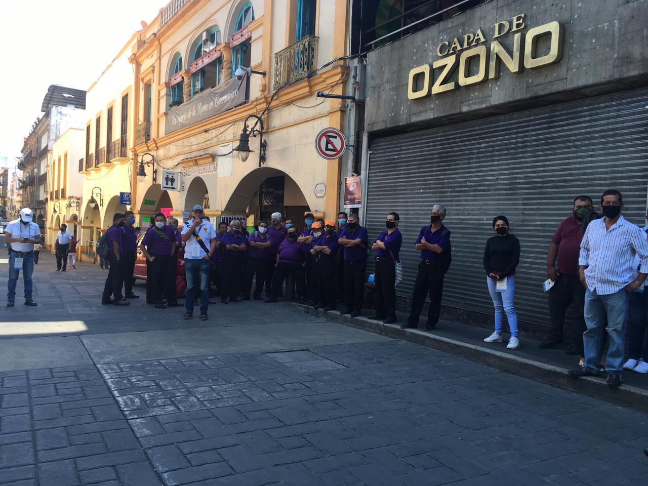 Manifestación de boleros del Centro de Cuernavaca exigen les permitan trabajar