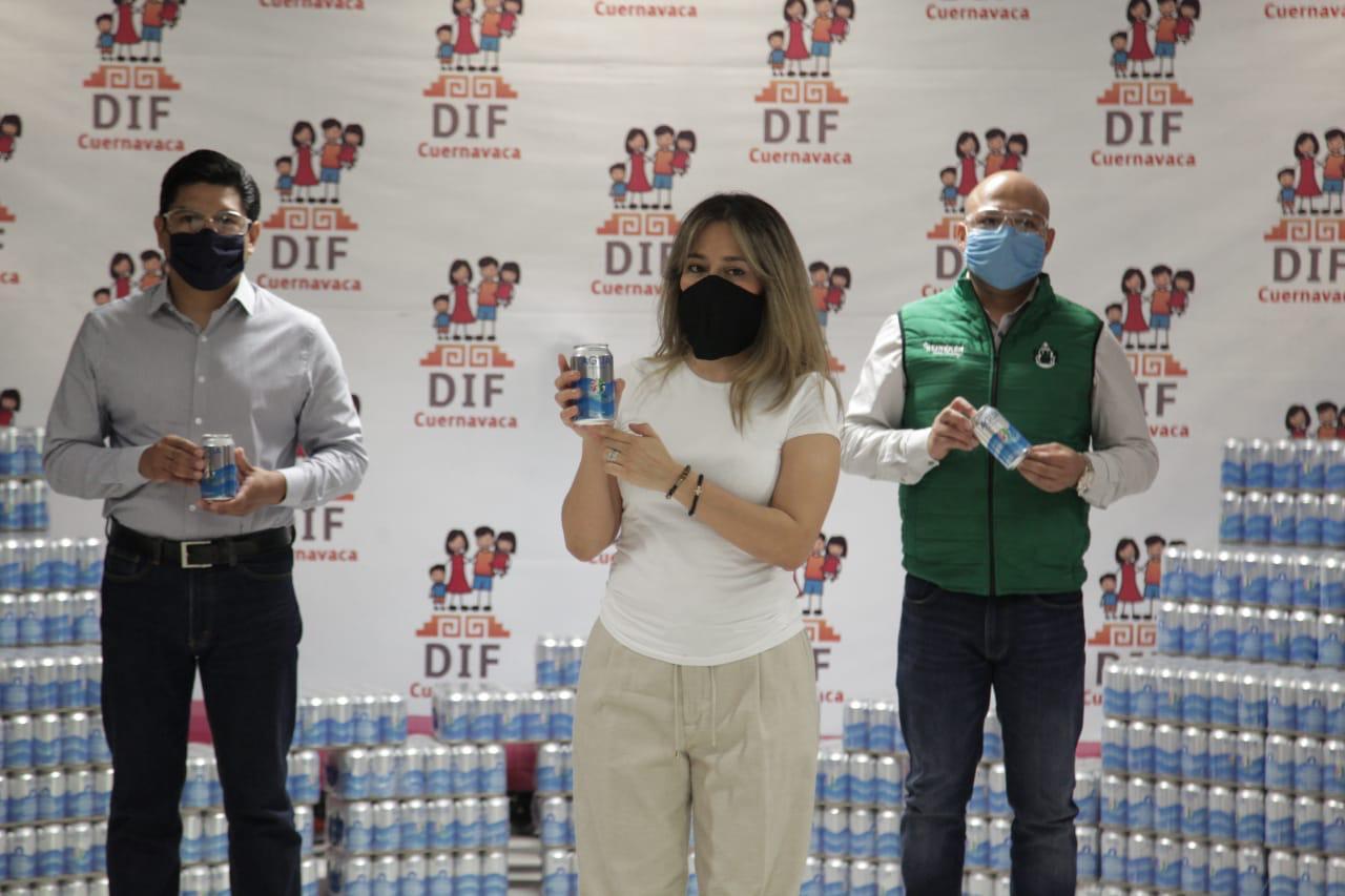 Recibe Dif Cuernavaca donación de más de 4 mil latas de agua por parte de Heineken