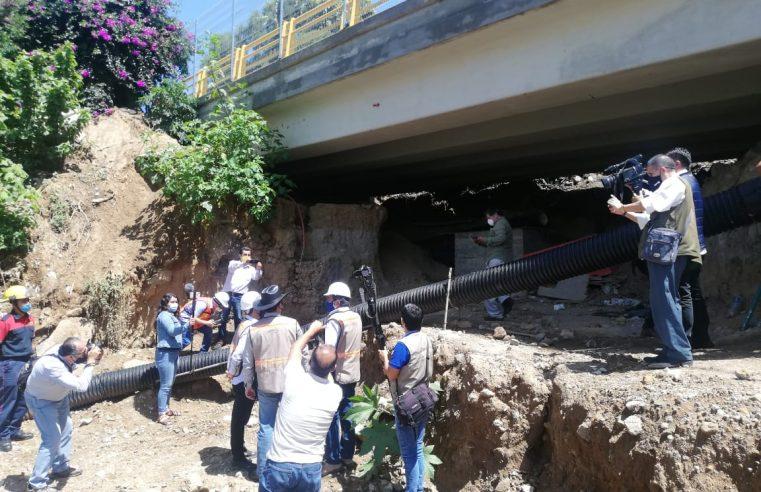 Supervisan reparación de puente ubicado en Subida Chalma