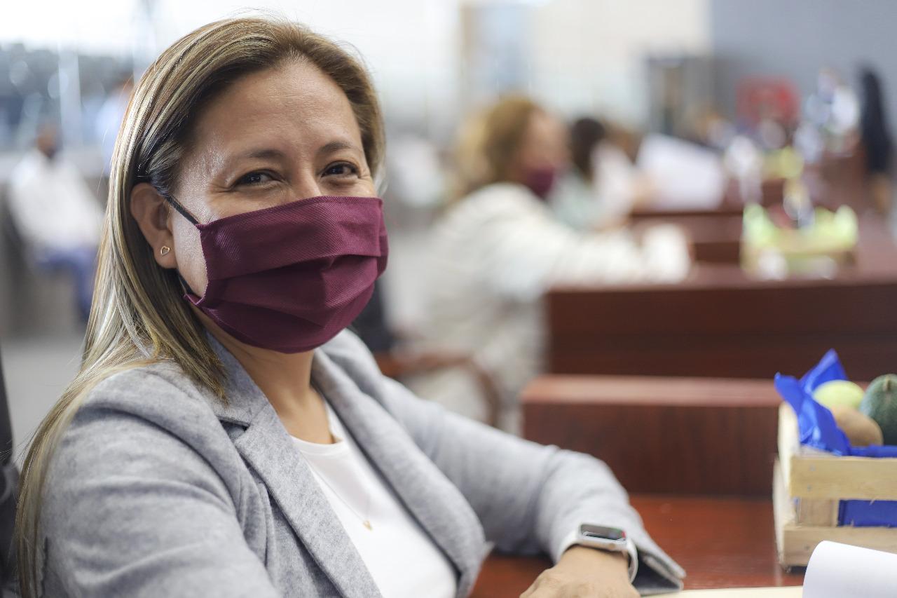 Alejandra Flores pide al Estado que el dinero de las cuotas escolares se utilice para sanitizar las escuelas