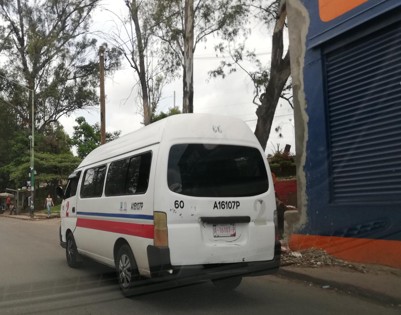 El presidente del FAT pide a los usuarios del transporte público para utilizar el cubrebocas