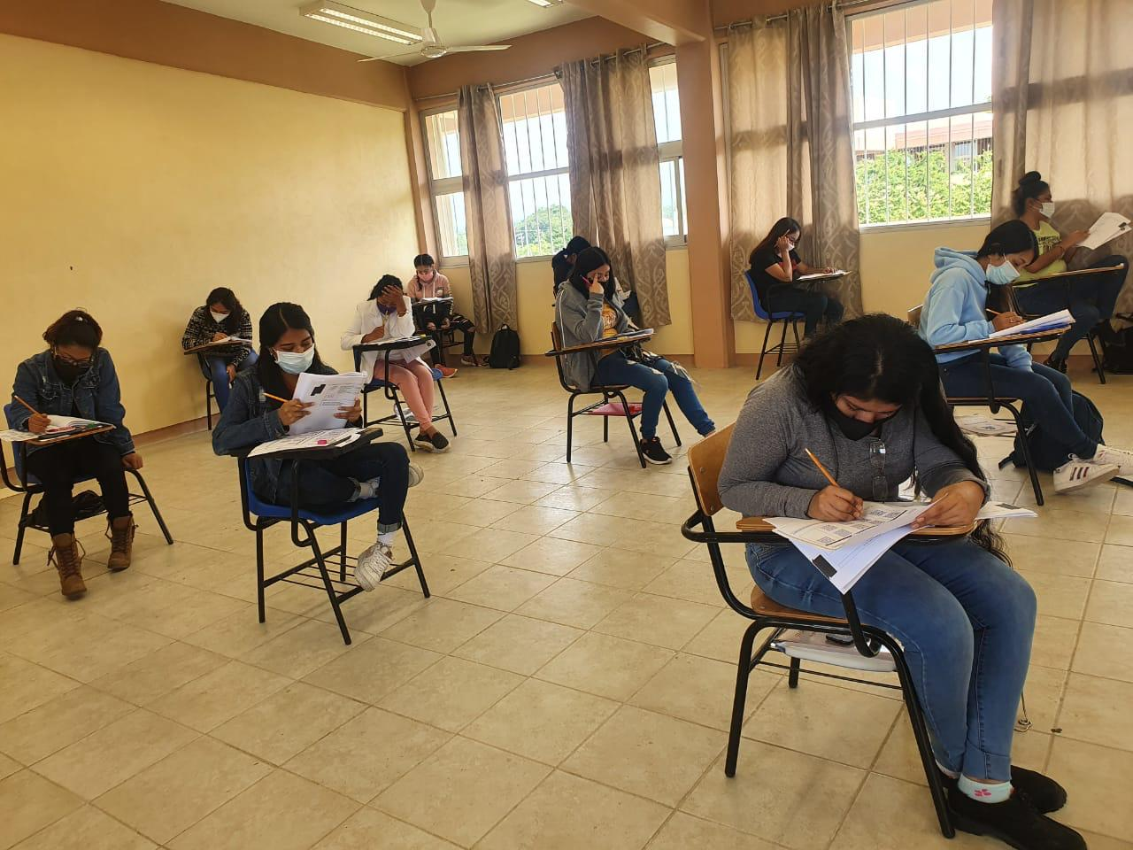 Ausentismo del 12% en examen de admisión para UAEM