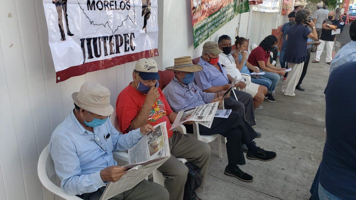 Continúa plantón militantes de Morena-Morelos, exigen renovación de dirigencia