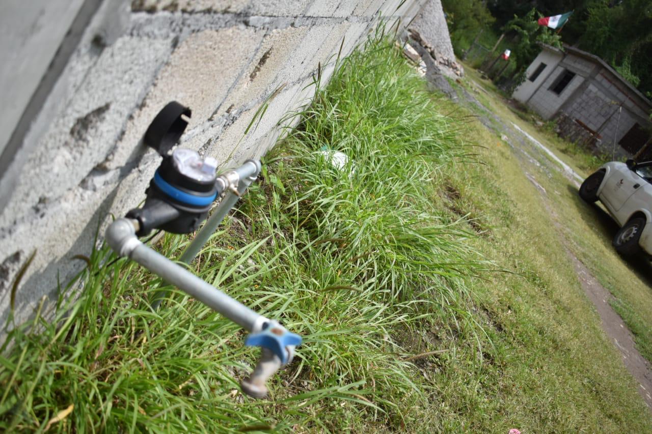 Inaugura Rafa Reyes red de agua potable en Vista Hermosa