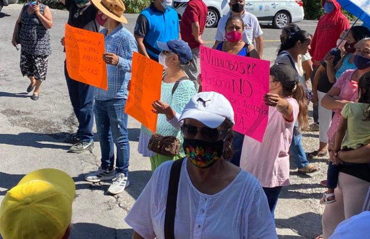 Vecinos de Acapantzingo protestaron en contra de Antonio Villalobos