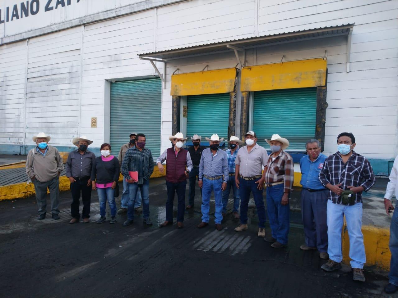 Gente de Amado Orihuela Trejo toman bodegas del Ingenio Emiliano Zapata de Zacatepec
